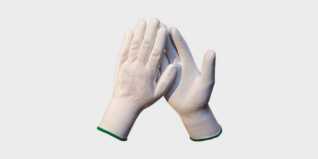 Перчатки вязаные хлопчатобумажные с полиуретановым покрытием ладони и пальцев.